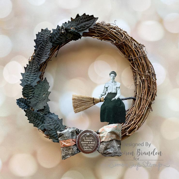 Cheiron creepy kit wreath 1